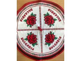 Домакинска кръгла кърпа Рози